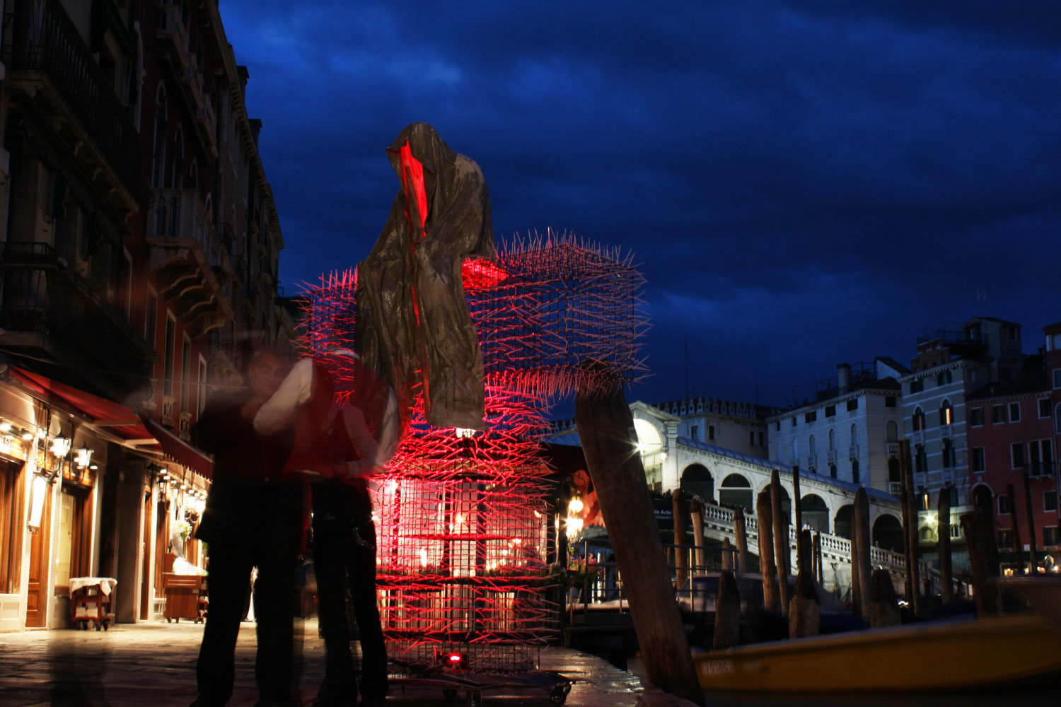 public-biennale-de-arte-venezia-italy-christoph-luckeneder-manfred-kielnhofer-t-guardians-sculpture-art-arts-2048