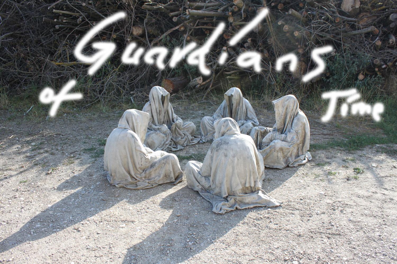 guardians-of-time-waechter-der-zeit-manfred-kielnhofer-contemporary-art-modern-arts-sculpture-statue-faceless-cloak-shroud-ghost-4759y