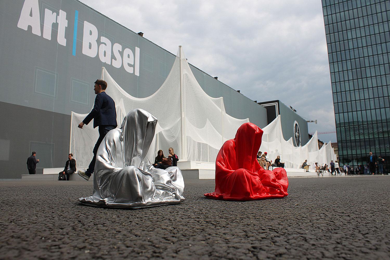highlights-public-artbasel-scope-art-show-guardians-of-time-manfred-kielnhofer-steinreich-contemporary-art-sculpture-tour-1301