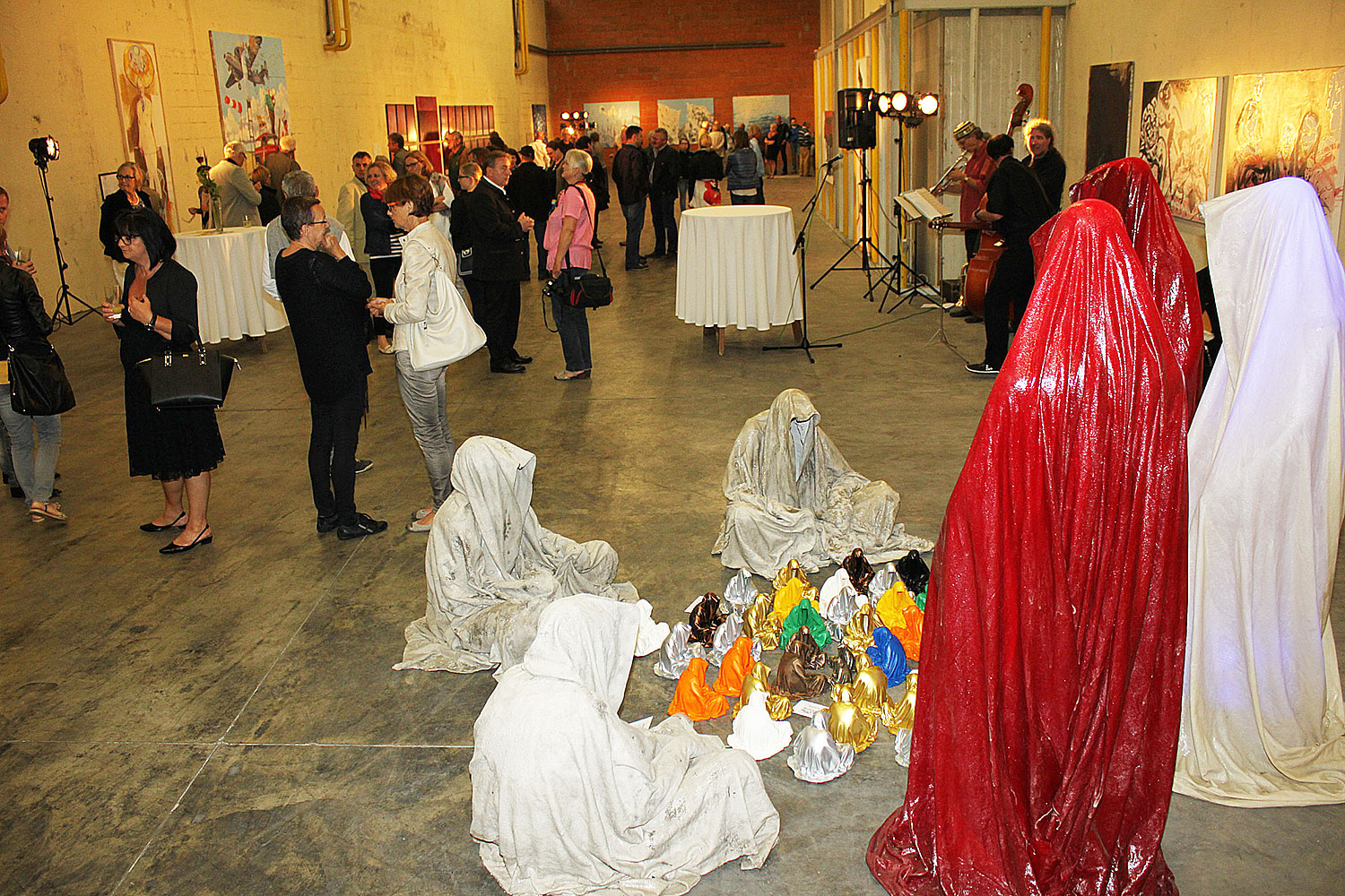 kunst in der fabrik giz-rosegg-koglhof-kunst-und-handel-guardians-waechter-manfred-kielnhofer-contemporary-art-arts-sculpture-photography-painting-1638