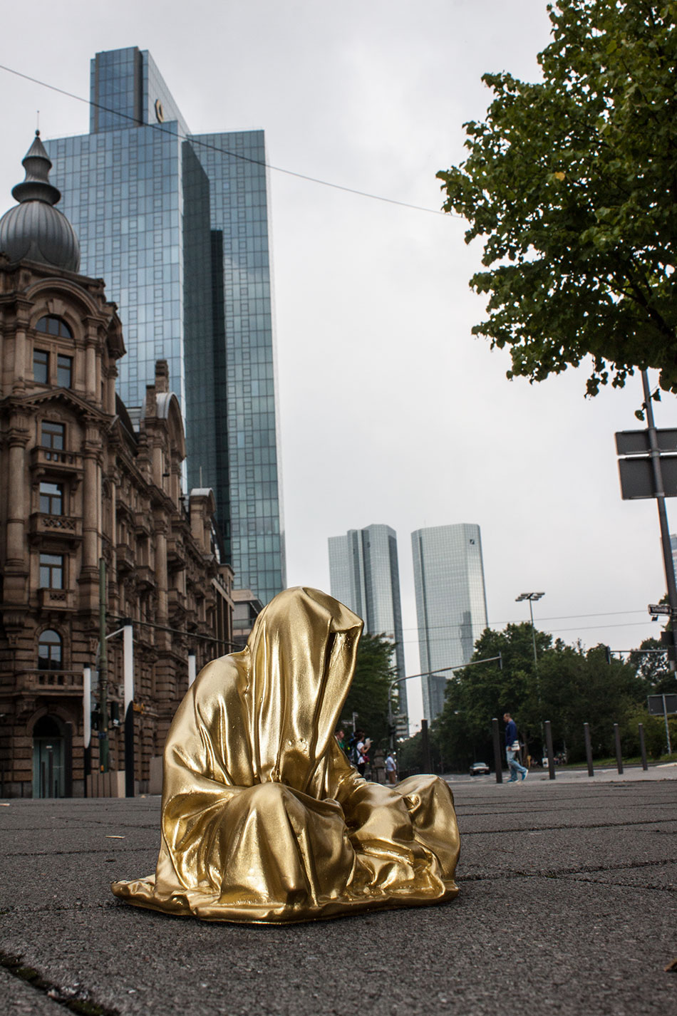 art-germany-frankfurt-guardians-of-time-manfred-kielnhofer-public-modern-contemporary-art-fine-arts-sculpture-design-streat-art-2189
