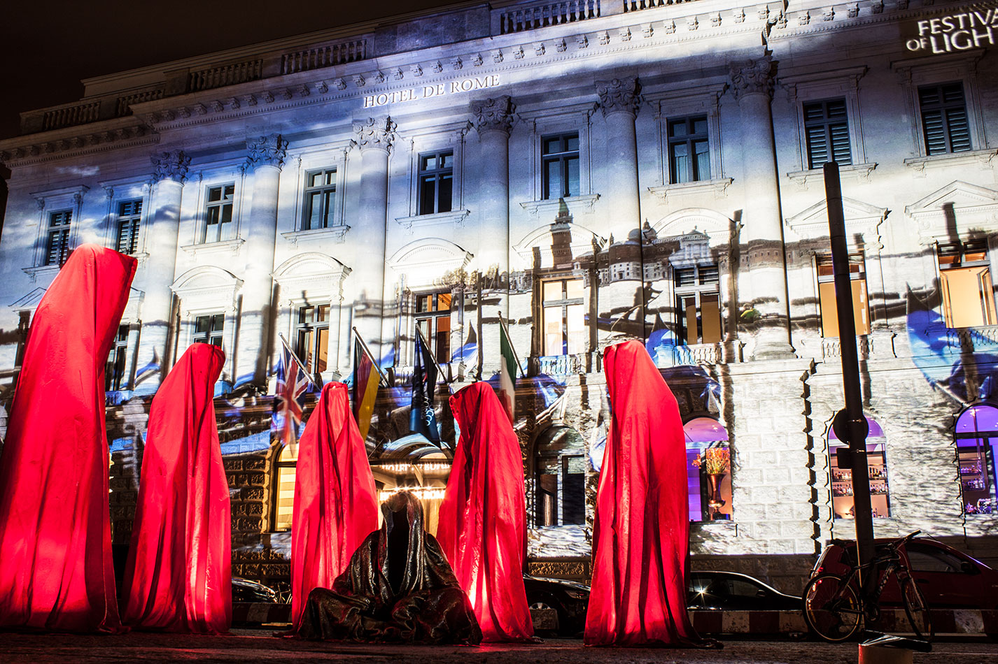 festival-of-lights-berlin-hotel-de-rome-light-art-show-exhibition-lumina-guardians-of-time-manfred-kili-kielnhofer-contemporary-arts-design-sculpture-3397