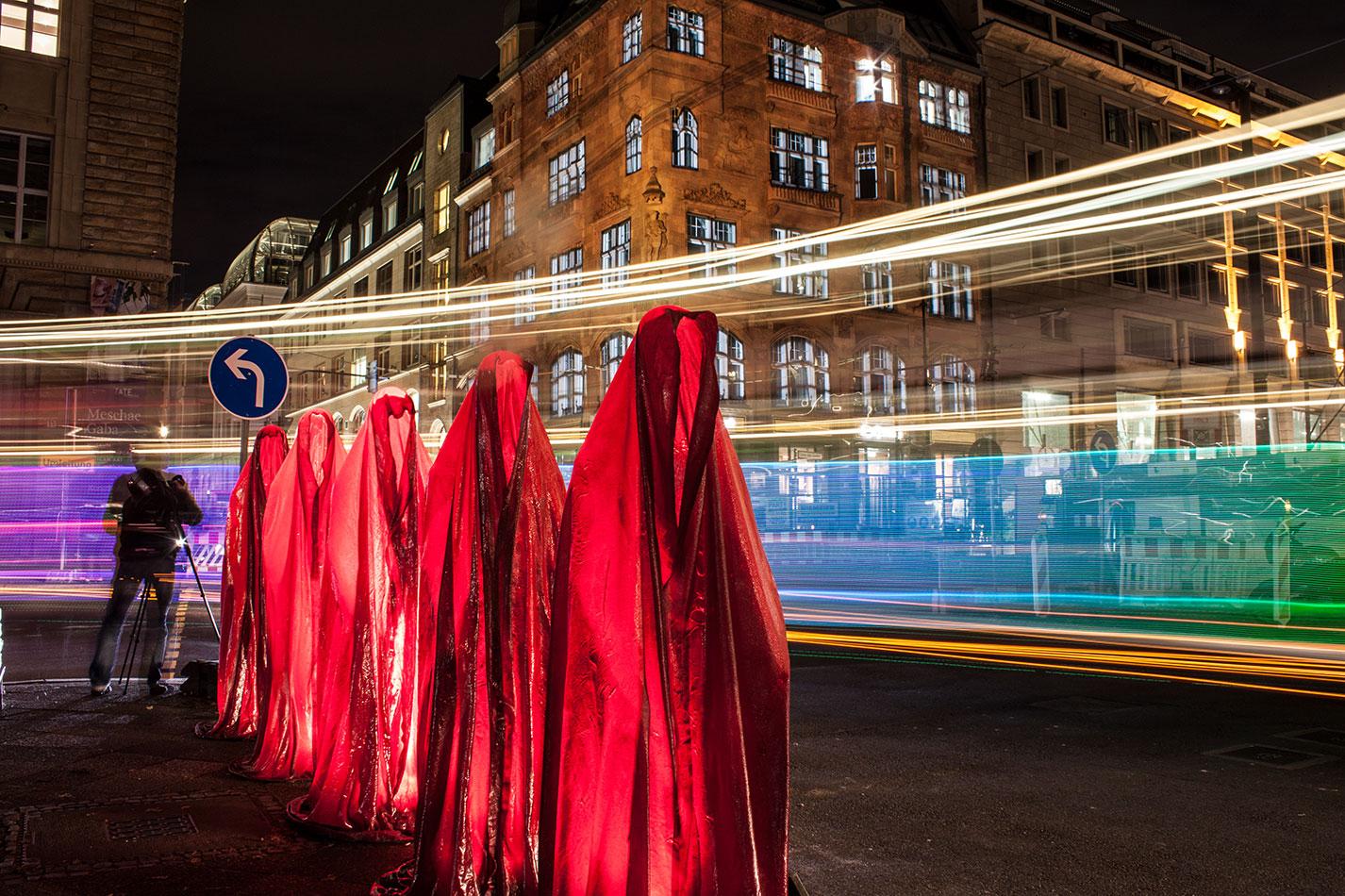 festival-of-lights-berlin-microsoft-light-art-show-exhibition-lumina-guardians-of-time-manfred-kili-kielnhofer-contemporary-arts-design-sculpture-3470