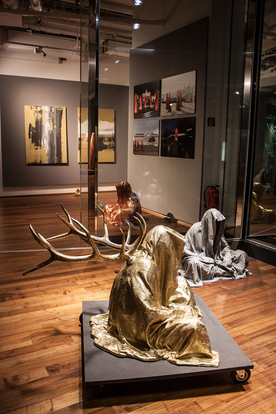 stilwerk-wien-designtower-vienna-show-guardians-of-time-waechter-der-zeit-manfred-kielnhofer-modern-contemporary-fine-art-design-sculpture-3d-arts-3938