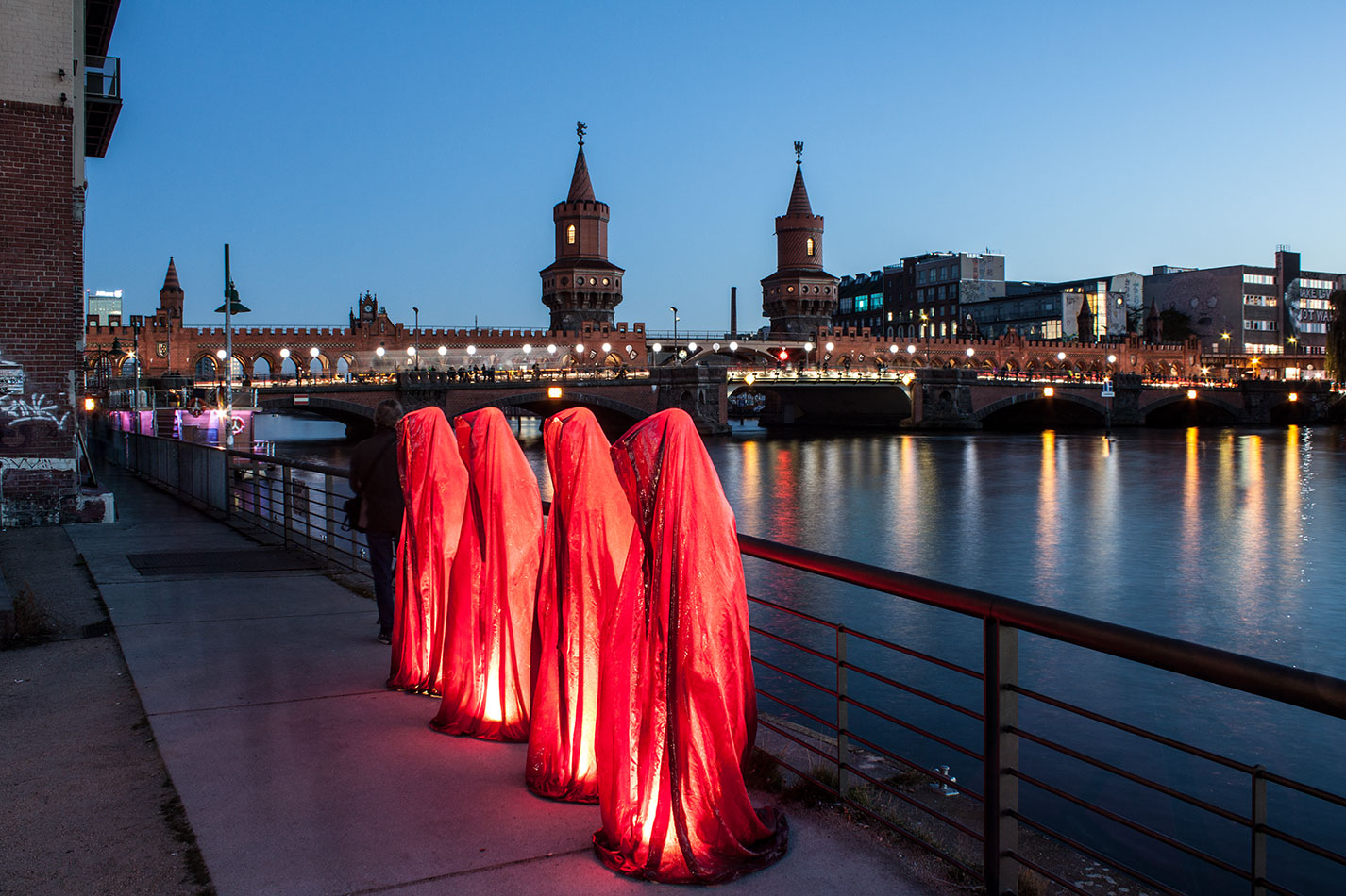 25-years-wallfall-berlin-germany-east-side-gallery-contemporary-fine-art-show-arts-design-guardians-of-time-manfred-kili-kielnhofer-4463