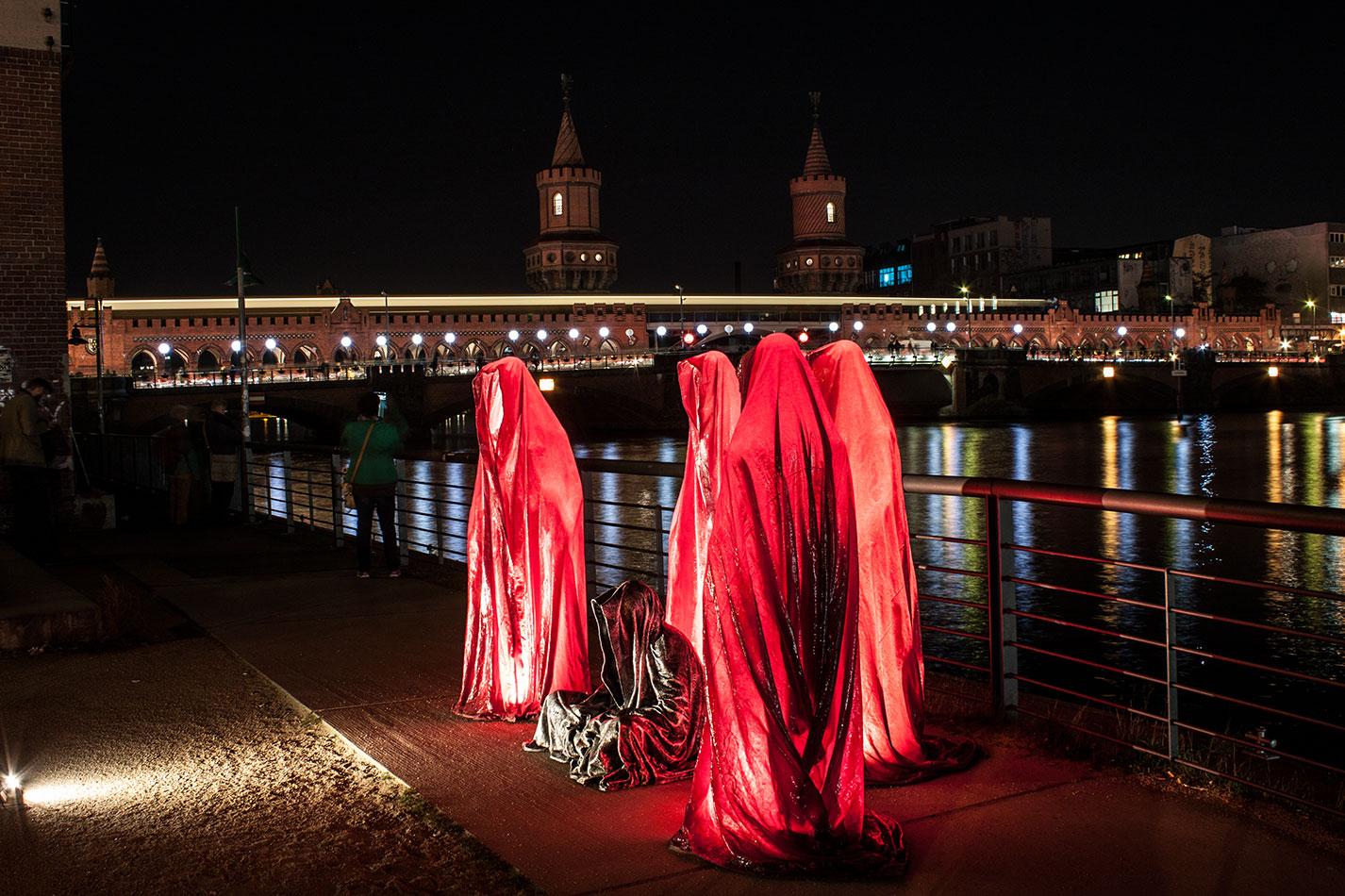 25-years-wallfall-berlin-germany-east-side-gallery-contemporary-fine-art-show-arts-design-guardians-of-time-manfred-kili-kielnhofer-4504
