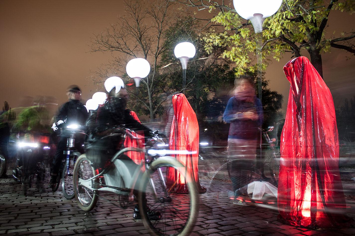 25-years-wallfall-berlin-germany-wallpark-contemporary-fine-art-show-arts-design-guardians-of-time-manfred-kili-kielnhofer-4364