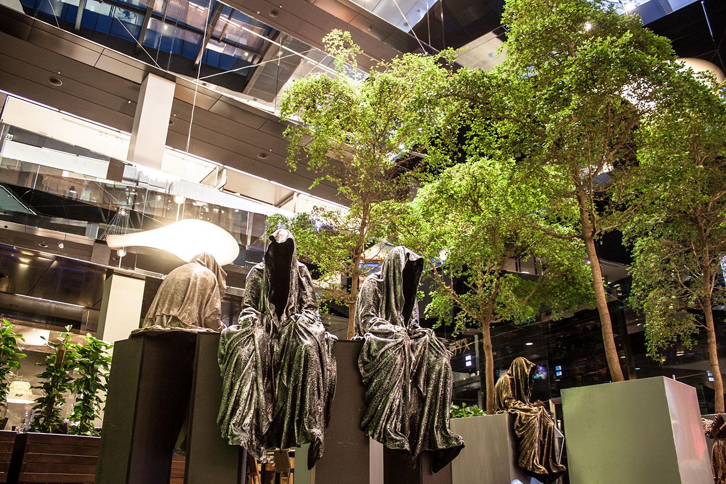 stilwerk-wien-design-tower-vienna-duekouba-designkooperation-guardians-of-time-manfred-kieli-kielnhofer-contemporary-fine-art-arts-design-installation-antique-show-4743