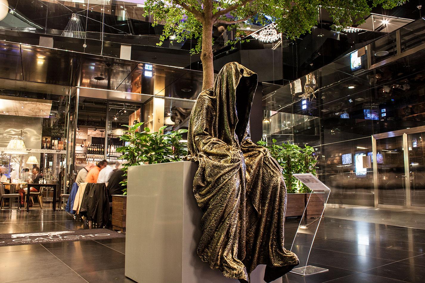 stilwerk wien design tower vienna showroom guardians of time manfred kielnhofer. Black Bedroom Furniture Sets. Home Design Ideas