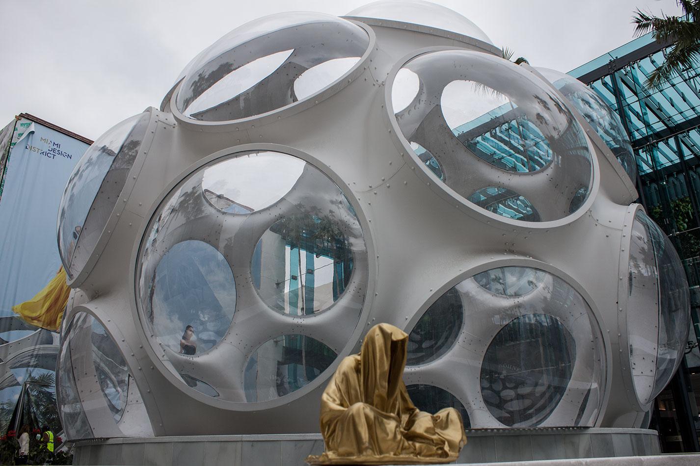 public-art-basel-miami-beach-fair-usa-florida-bass-museum-guardians-of-time-manfred-kili-kielnhofer-contemporary-fine-art-modern-arts-design-antiques-sculpture-6645