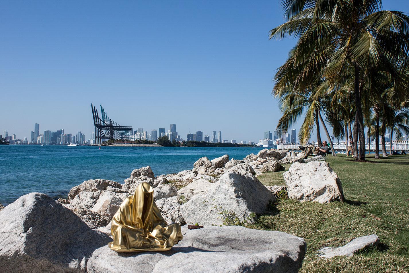 public-art-basel-miami-beach-fair-usa-florida-guardians-of-time-manfred-kili-kielnhofer-contemporary-fine-art-modern-arts-design-antiques-sculpture-6829