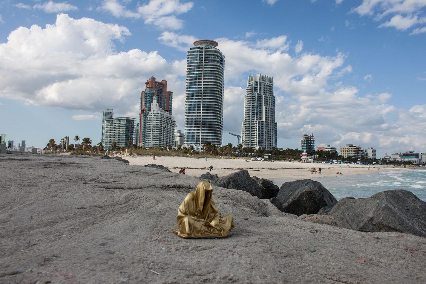 public-art-basel-miami-beach-fair-usa-florida-guardians-of-time-manfred-kili-kielnhofer-contemporary-fine-art-modern-arts-design-antiques-sculpture-6893