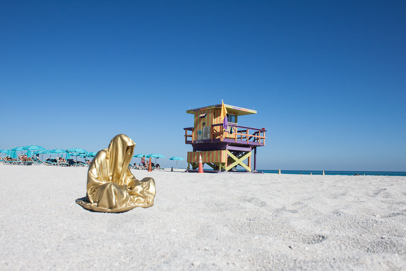 public-art-basel-miami-beach-fair-usa-florida-guardians-of-time-manfred-kili-kielnhofer-contemporary-fine-art-modern-arts-design-antiques-sculpture-7082