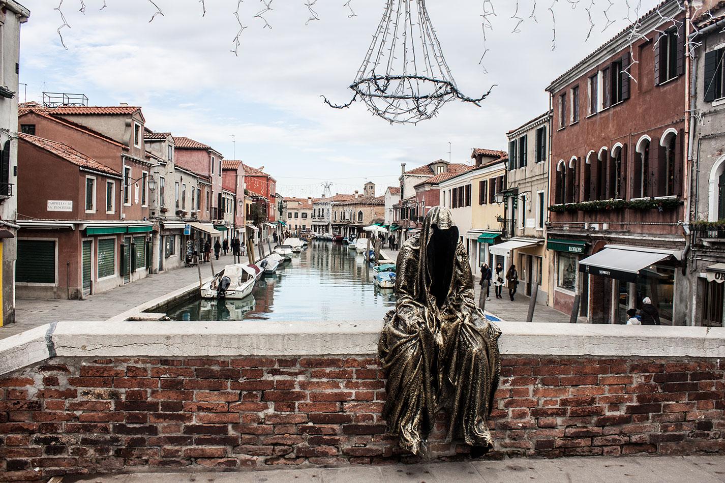 Italia-Venice-Murano-Berengo-glas-studio-glasstress-guardians-of-time-by-Manfred-Kili-Kielnhofer-contemporary-art-design-show-7162