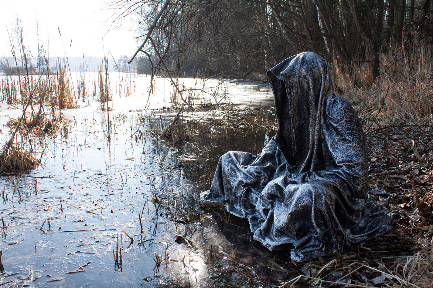 waldviertel-fish-pond-lake-lower-austria-contemporary-art-design-photography-arts-antique-guardians-of-time-manfred-kili-kielnhofer-7639