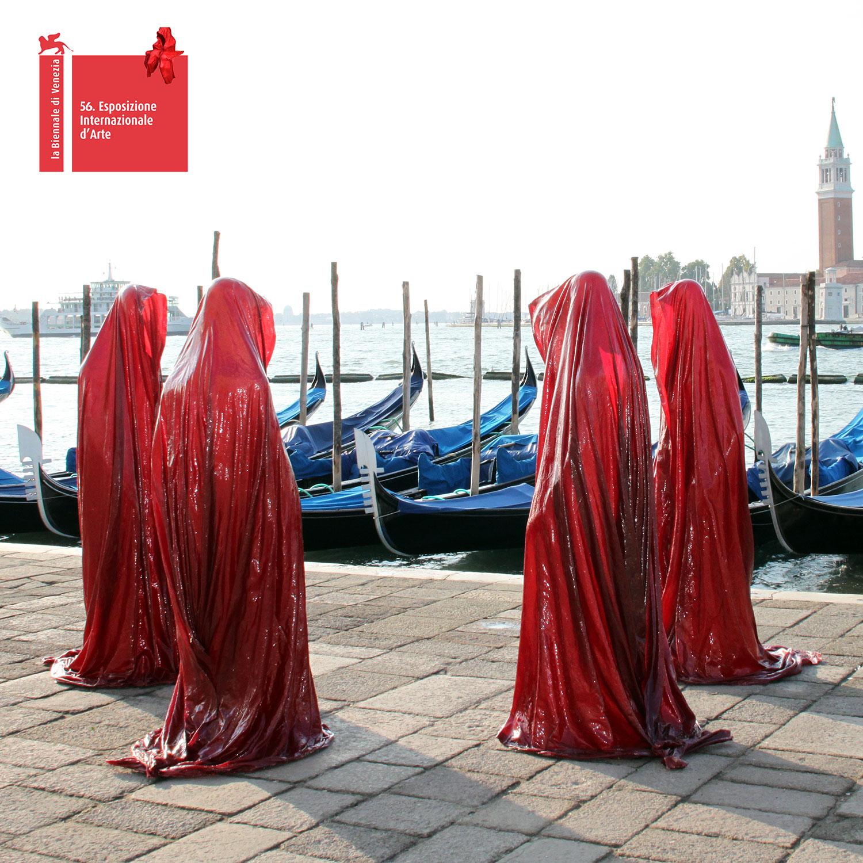 contemporary-public-art-la-biennale-arts-arte-show-project-venice--illuminations-sculpture-manfred-kielnhofer-statue-