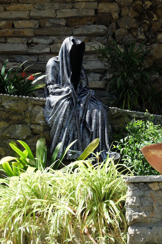 guardians-of-time-manfred-kili-kielnhofer-contemporary-fine-art-sculpture-tour-italy-genova-rapallo-portofino-see-cost-2421