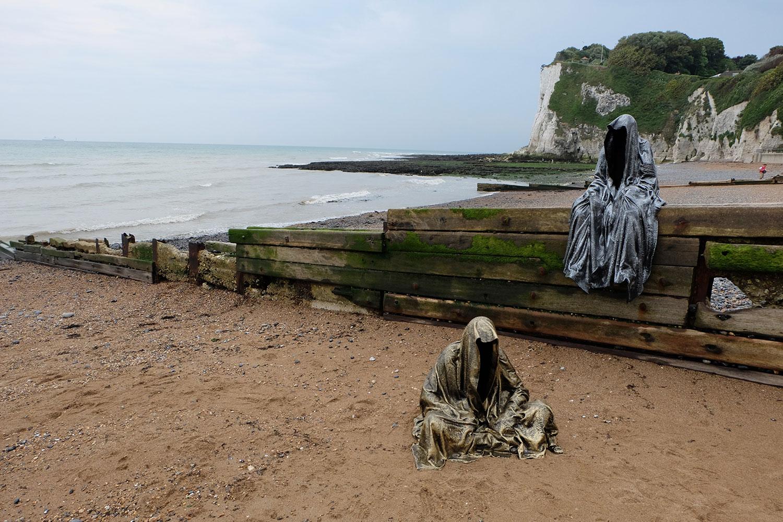 guardians-of-guardians-of-time-manfred-kili-kielnhofer-uk-england-dover-public-contemporary-art-arts-design-sculpture-6444