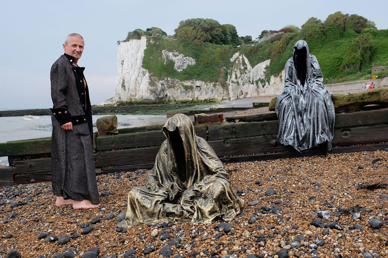 guardians-of-guardians-of-time-manfred-kili-kielnhofer-uk-england-dover-public-contemporary-art-arts-design-sculpture-6470y